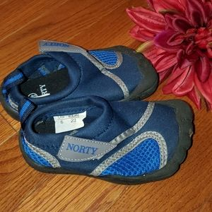 Like New Norty Swimshoes Size 6